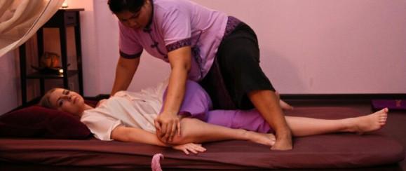 Королевский тайский массаж в 4 руки 4000 р/час